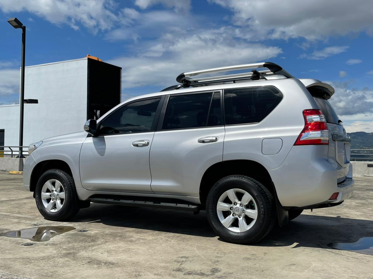 Toyota Land Cruiser TX