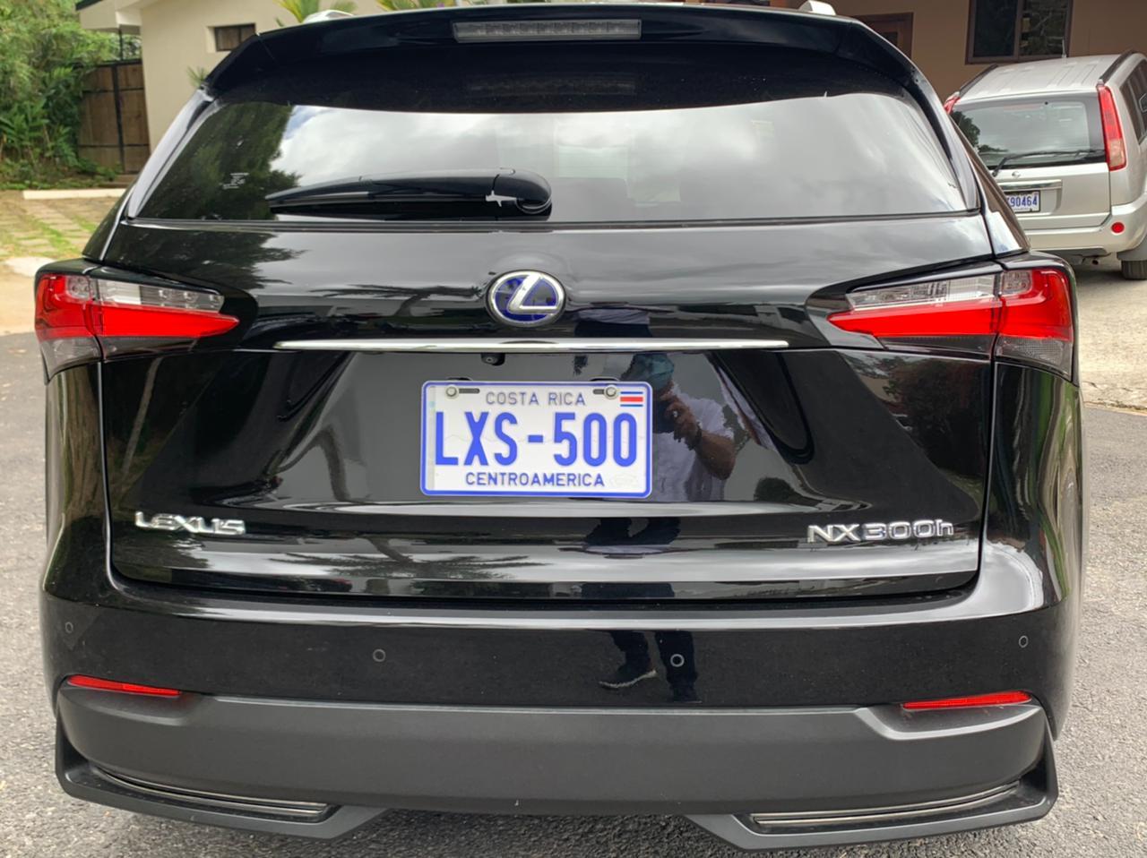 Lexus NX300H F Sport